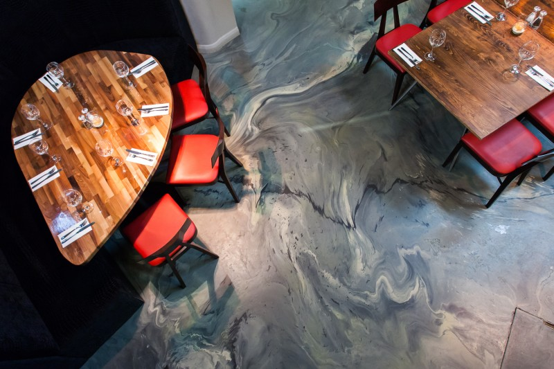 Bespoke motion blend resin restaurant flooring by Sphere8