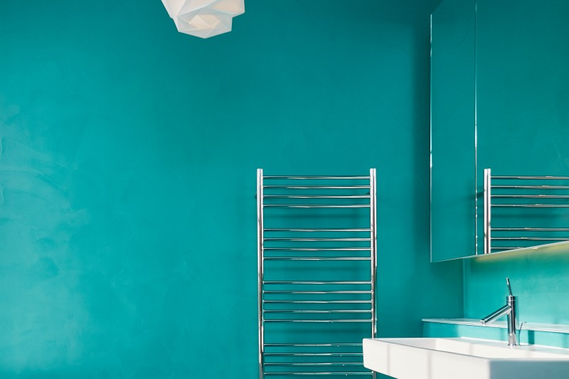 Turquoise resin walls and floors by Sphere8