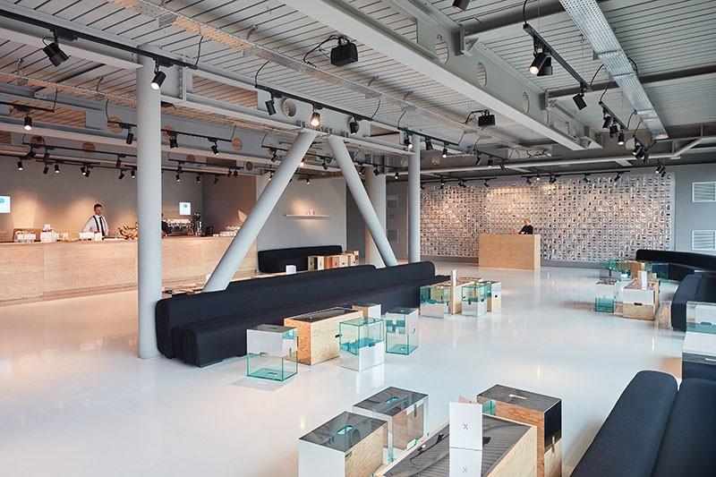 Sphere8 resin floors at Louis Vuitton
