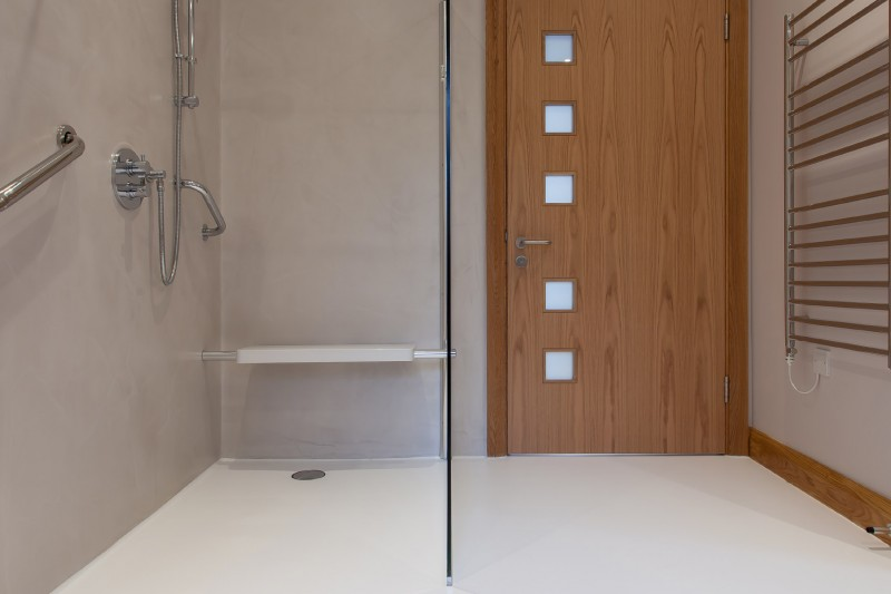 Bathroom with resin flooring